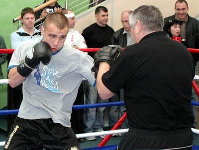 Смотрите фотогалерею Максим Бурсак во время открытой тренировки