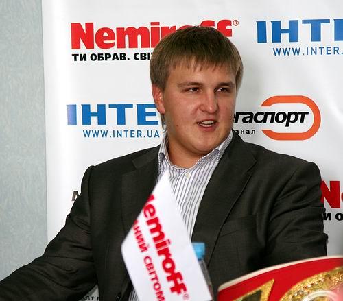 Смотрите фотогалерею Александр Красюк на пресс-конференции в Черкассах перед боем Сергея Федченко с Хуаном Альберто Годоем