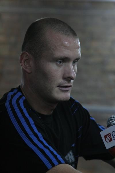 Смотрите фотогалерею Вячеслав Узелков во время открытой тренировки