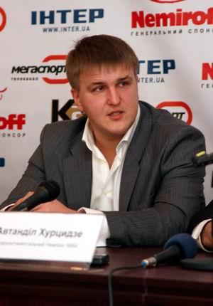 Смотрите фотогалерею Александр Красюк на пресс-конференции в Черкассах