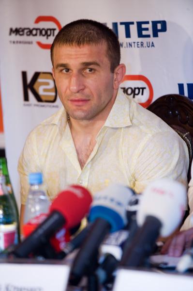 Смотрите фотогалерею Автандил Хурцидзе на пресс-конференции в Одессе
