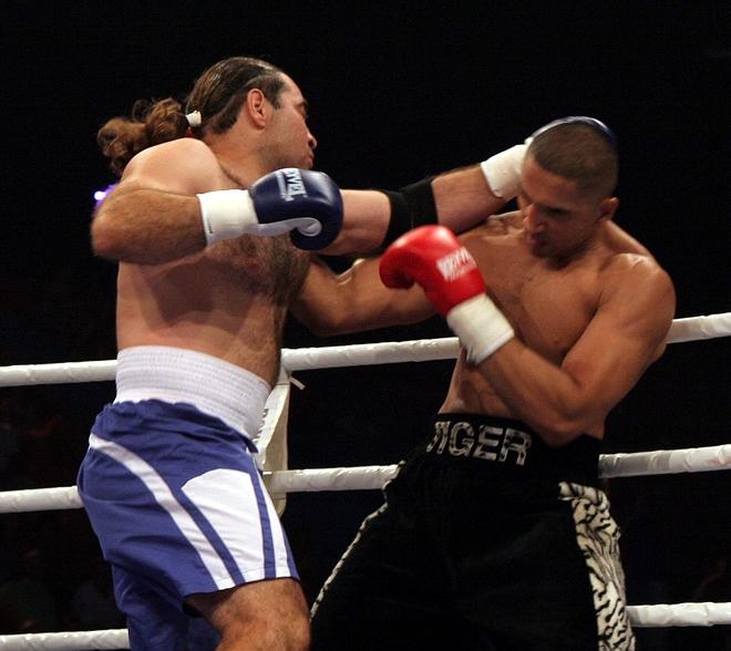 Ali Adams vs Vyacheslav Sherbakov