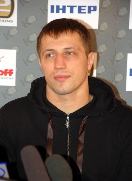 Смотрите фотогалерею Виталий Русаль на пресс-конференции в Запорожье