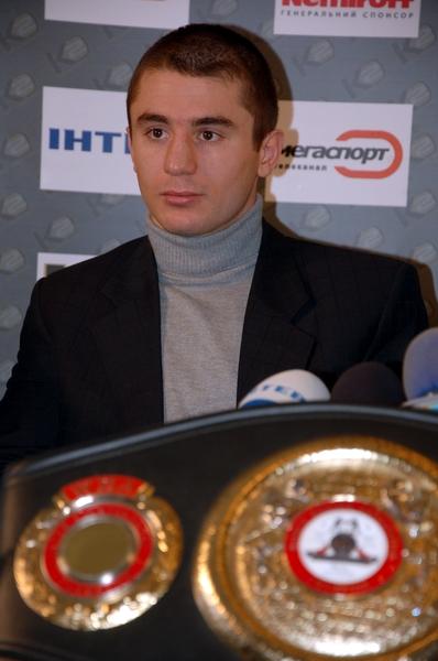 Смотрите фотогалерею Заур Байсангуров на пресс-конференции в Запорожье
