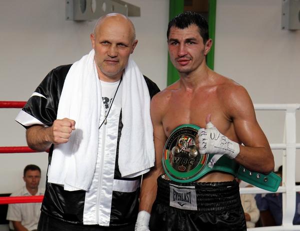 Смотрите фотогалерею Виктор Постол со своим тренером Александром Полищуком