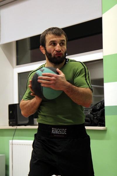 Смотрите фотогалерею Автандил Хурцидзе во время подготовки