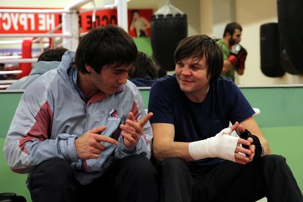 Смотрите фотогалерею Марат Кулумбегов с тренером Андреем Синепуповым во время тренировки
